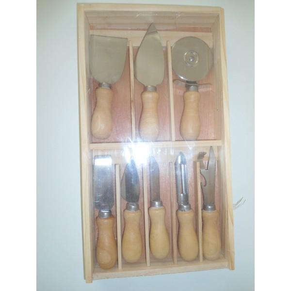 Set utensili da cucina tutto per il pulito for Set utensili da cucina